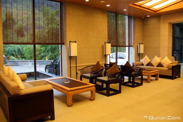 黄山温泉度假酒店最佳西方黄山温泉度假酒店位于黄山风景区海拔600米