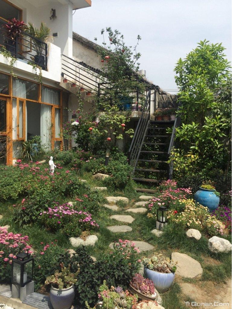 小院子很美,房间设计很温馨文艺