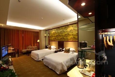 富世龙国际酒店