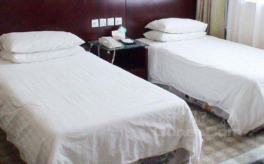 巴楚新荣宾馆