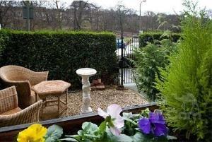 赫奇斯住宿加早餐酒店(The Hedges Bed & Breakfast)