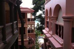 泰澜海滩度假村(Centara Grand Beach Resort Phuket)