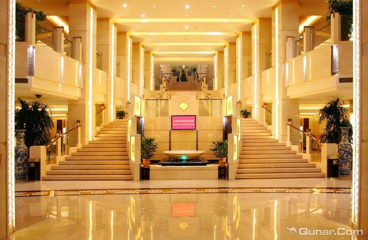 泰安东尊华美达大酒店
