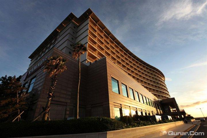 济州岛华美达广场大酒店(Ramada Plaza Jeju Island Hotel)