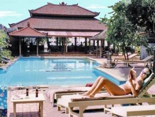 罗维纳海滩酒店(Lovina Beach Hotel)