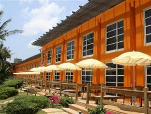 夏都沙滩酒店(Chateau Beach Resort)