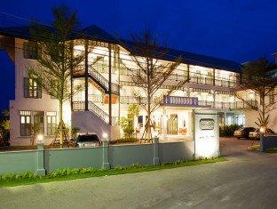 华欣德瓦萨穆度假酒店(Devasom Hua Hin Resort)