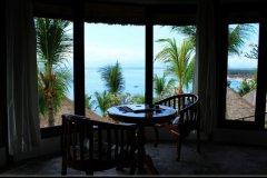 椰子海滩假日酒店(Coconuts Beach Resort)