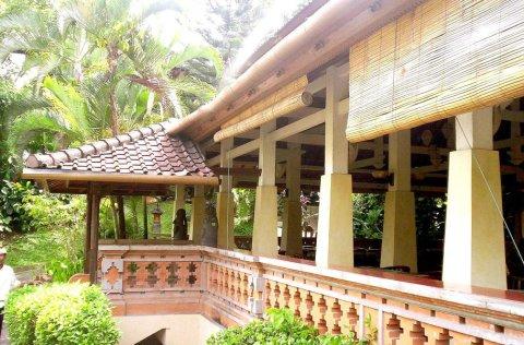 乌布蔷普朗莎丽酒店(Champlung Sari Hotel)