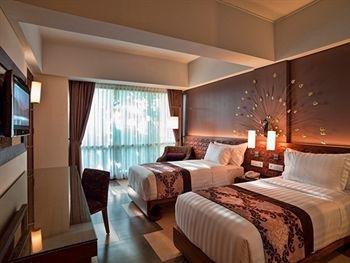 库塔日光岛酒店(Sun Island Hotel Kuta)