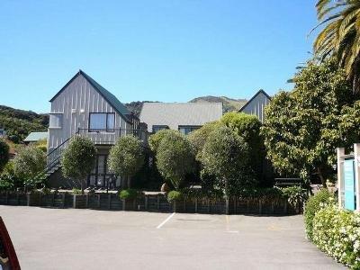 布鲁斯海滨公寓酒店(Bruce Waterfront Apartments)
