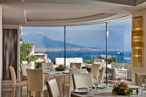 维苏威大酒店(Grand Hotel Vesuvio)