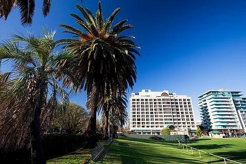 墨尔本东怡大酒店(Melbourne Parkview Hotel)