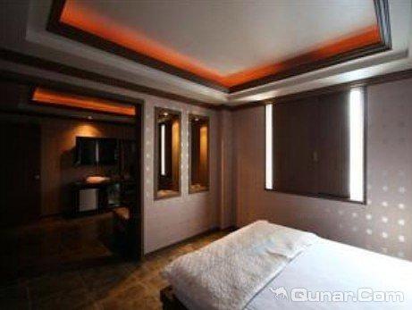 华美达汽车旅馆(Ramada Motel)