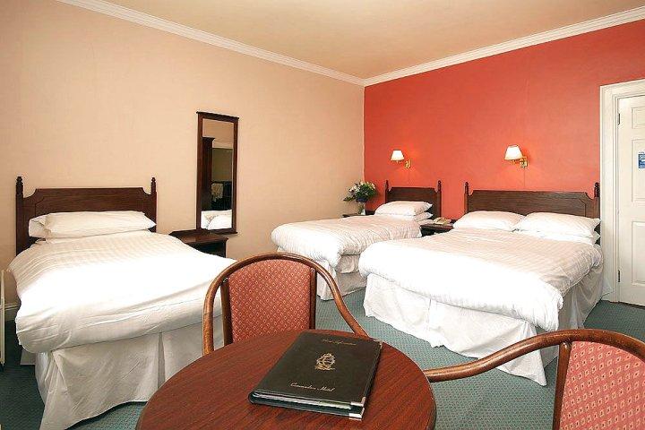 考莫道儿酒店(Commodore Hotel)
