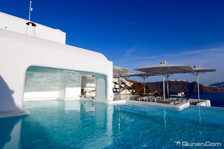 圣托里尼卡纳维斯伊亚酒店(Canaves Oia Hotel Santorini)