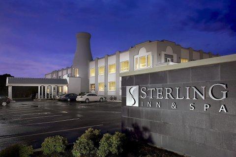 斯特林旅馆及水疗中心(Sterling Inn & Spa)