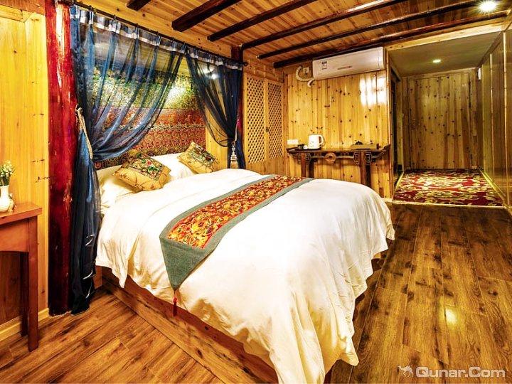 黔东南西江画印度假酒店