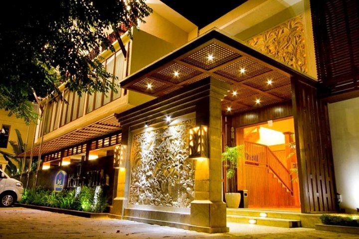 贝斯特韦斯特库塔别墅酒店(Best Western Kuta Villa)