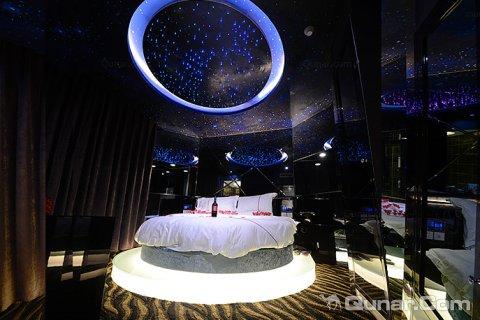 北京水晶情侣主题酒店