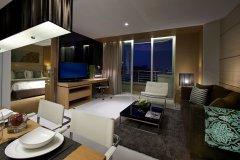 曼谷萨通酒店(Sathorn Bangkok Hotel)