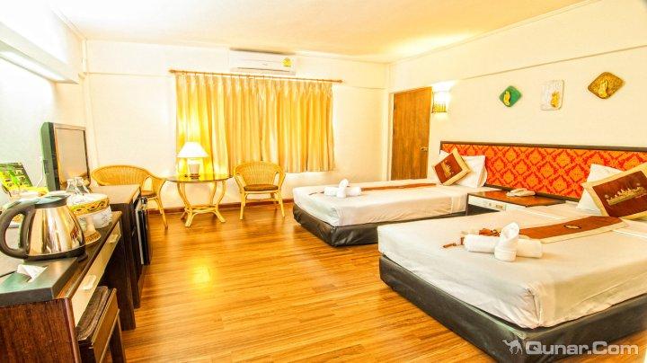 清莱洛纳卡拉酒店(Nak Nakara Hotel Chiang Rai)