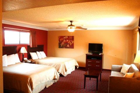 太平洋套房旅馆(Pacific Inn & Suites)