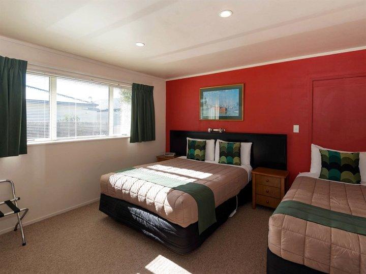 罗托鲁瓦马尔福来汽车旅馆 - 客房和矿物泳池(Malfroy Motor Lodge Rotorua - Accommodation and Mineral Pool)