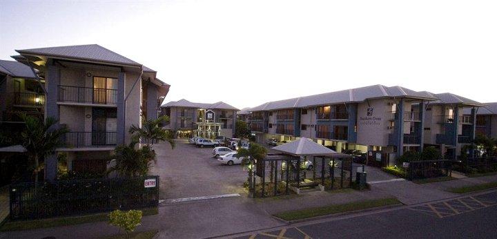 凯恩斯南十字星公寓(Southern Cross Atrium Apartments Cairns)