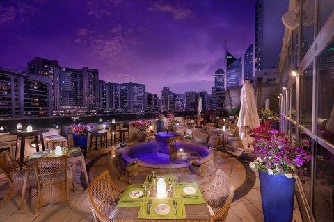阿布扎比海滨大道酒店(Corniche Hotel Abu Dhabi)