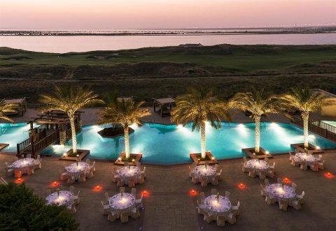 阿布扎比亚斯岛丽笙蓝标酒店(Radisson Blu Hotel, Abu Dhabi Yas Island)