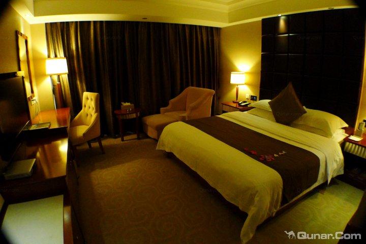 日照皇室假期酒店