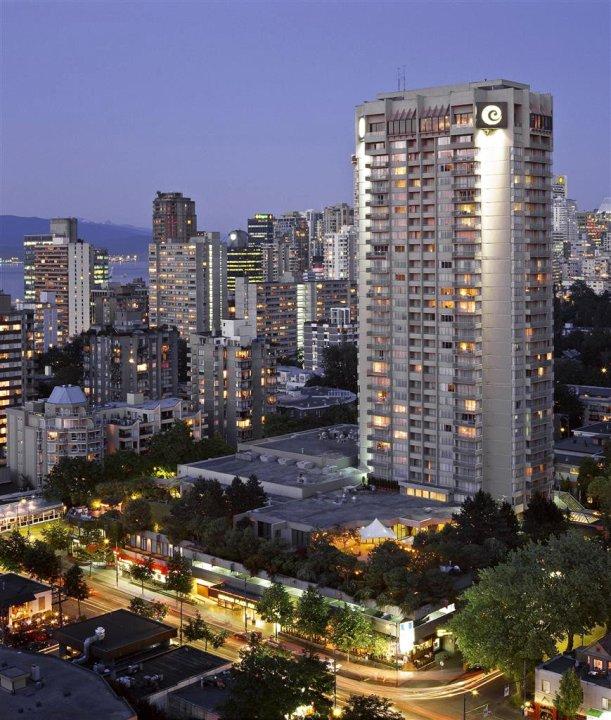 滨海广场套房酒店(Coast Plaza Hotel & Suites)