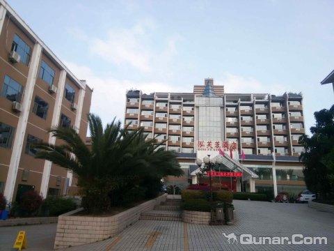 安龙泓芙蓉酒店