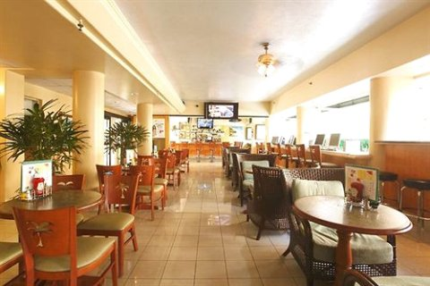 威基基沙滩别墅酒店(Waikiki Sand Villa)