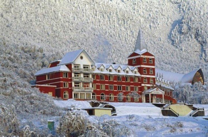 西岭雪山阳光假日酒店