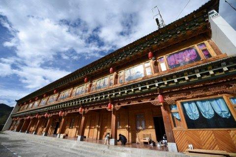 香格里拉雅卡吉泽藏文化山庄
