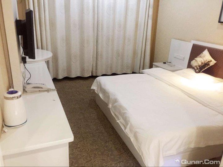 和田百胜商务酒店