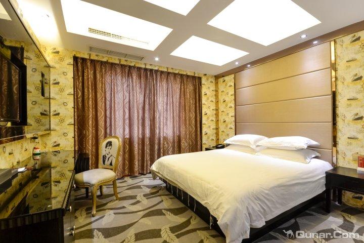 台州经济开发区桔子水晶酒店