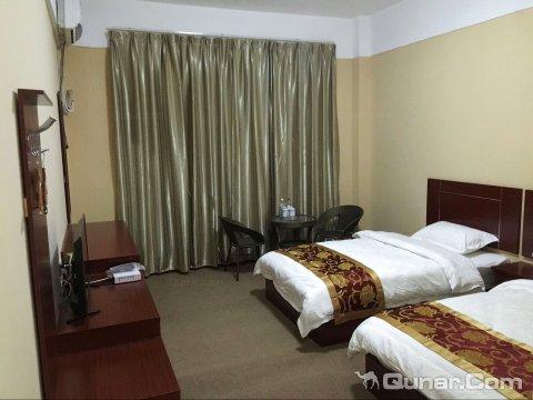 芒康聚友居商务酒店