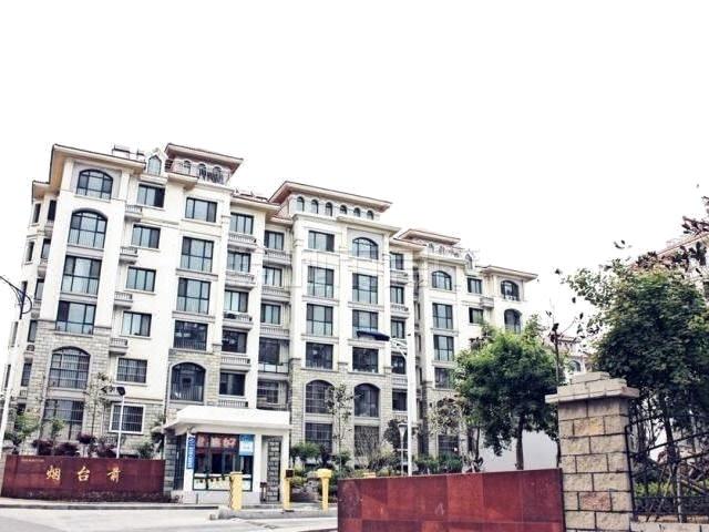 青岛金沙滩忠信海景公寓