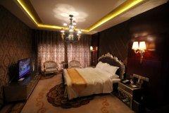 梁山维也纳酒店