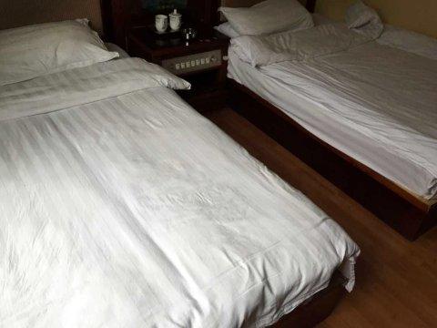 洛扎平措宾馆