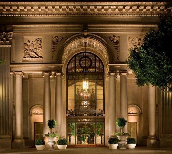 洛杉矶比特摩尔千禧酒店(Millennium Biltmore Hotel Los Angeles)