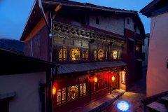 香格里拉9米雪山原创艺术酒店