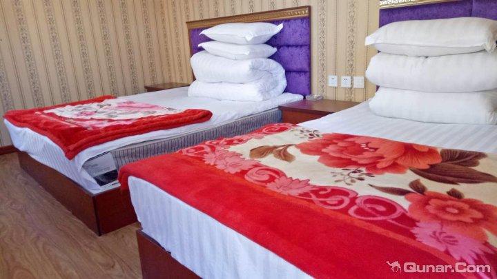 海南藏族黑马河雪域商务宾馆