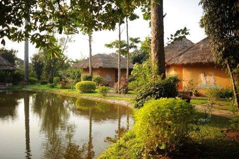 瓦纳瓦林度假酒店(Vana Varin Resort)