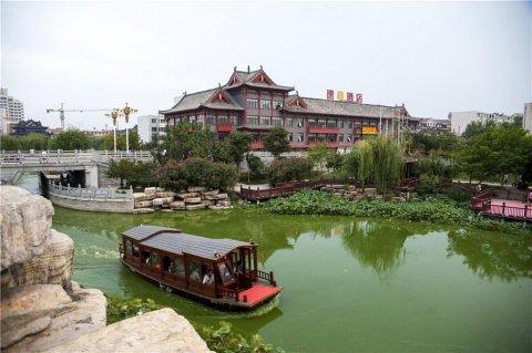 速8酒店(开封大梁门清明上河园店)