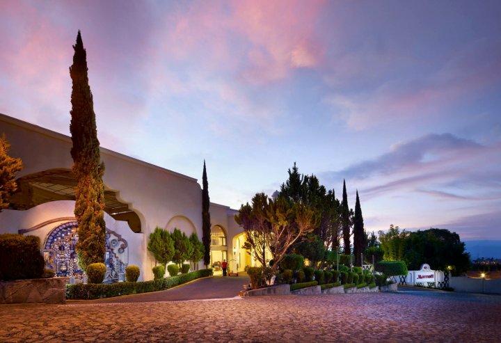 伊斯塔潘德拉萨尔万豪酒店及水疗中心(Ixtapan de la SAL Marriott Hotel, Spa & Convention Center)