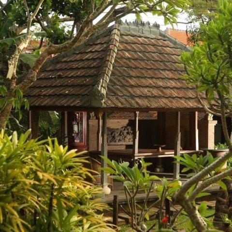 阿林德拉别墅酒店(Alindra Villa)